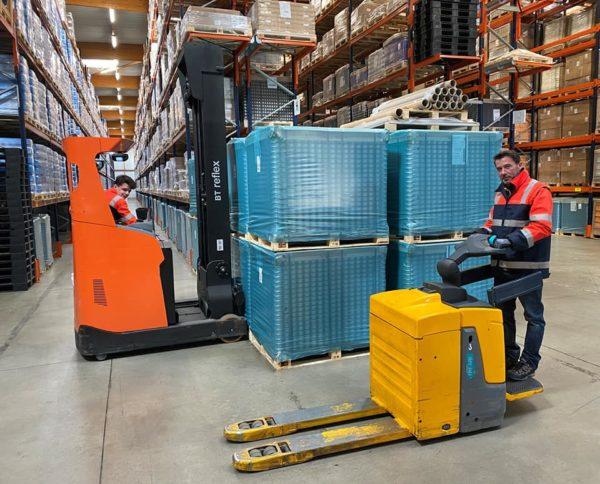 Nos équipes logistiques sont en place pour assurer les préparations et livraisons de commandes #teamthevenet (30/03/2020)